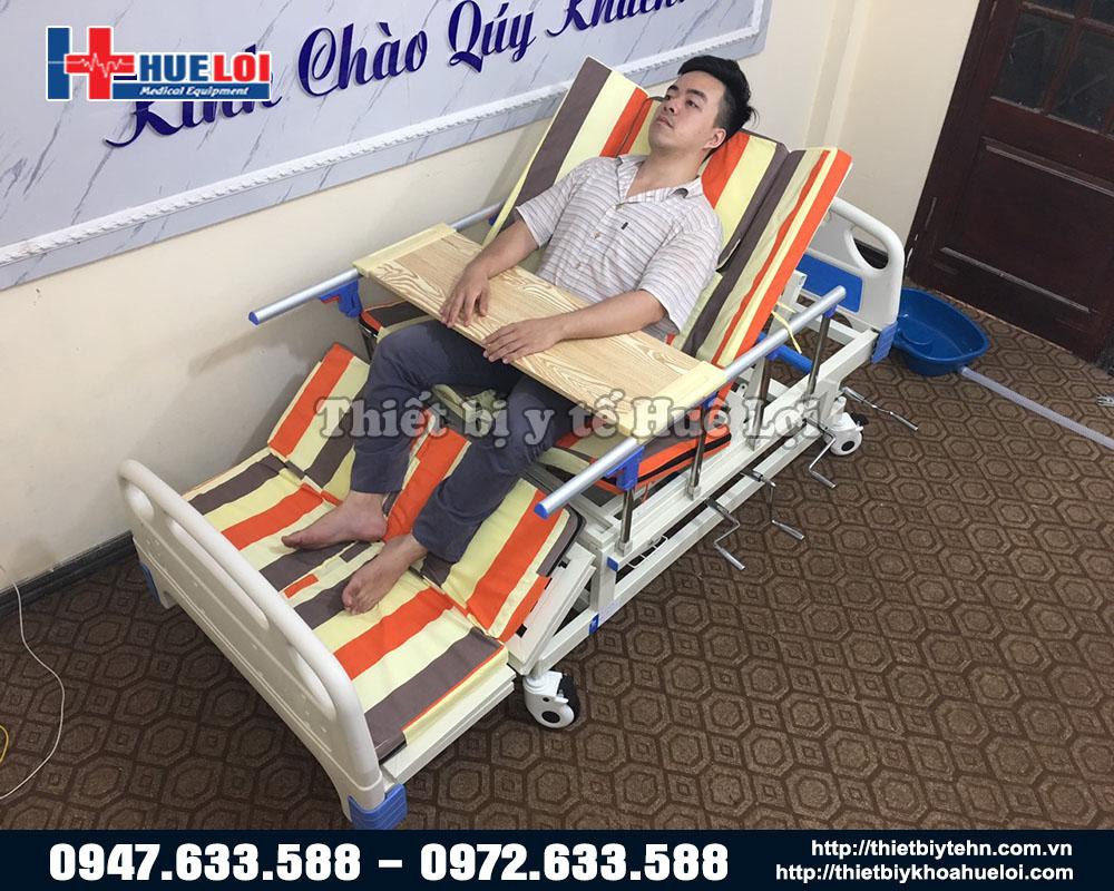 giường y tế đa năng có vỉa