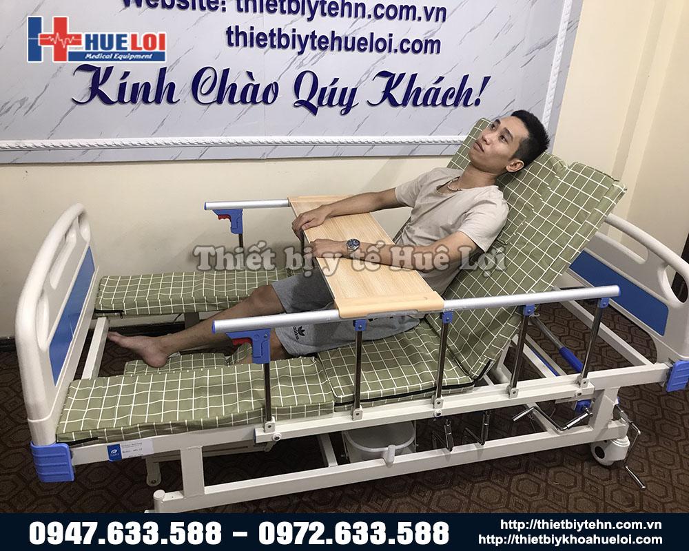 giường chăm sóc bệnh nhân tai biến